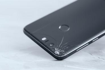 rozbity telefon